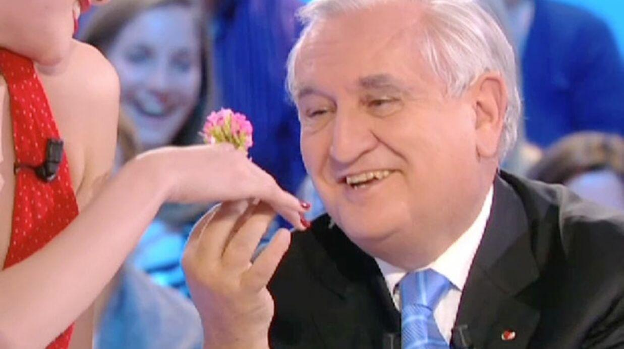 VIDEO Le Zap Voici buzze la télévision: 16 février 2012