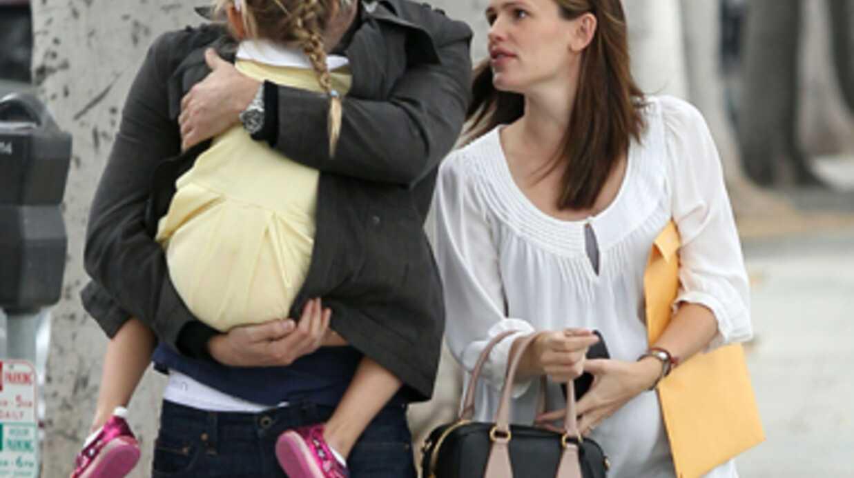 PHOTOS Ben Affleck aux petits soins pour sa femme et sa fille