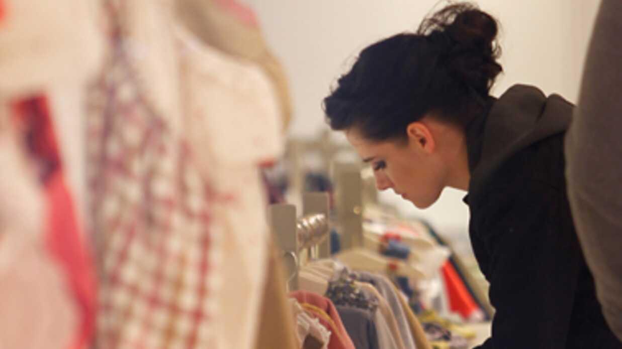 PHOTOS Kristen Stewart: shopping dans un magasin pour bébé à Paris