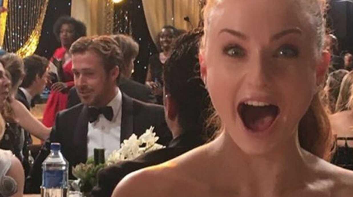 PHOTO Sophie Turner (Game of Thrones) surexcitée d'être – presque – prise en photo avec Ryan Gosling
