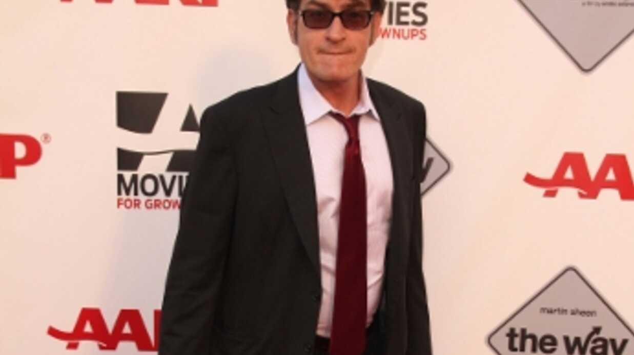 Charlie Sheen se déguise en lui-même pour Halloween