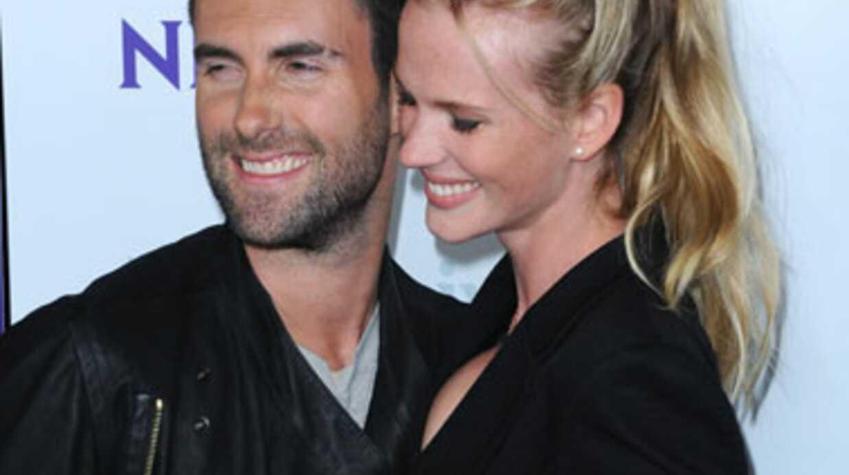 Adam Levine (Maroon 5) se sépare de sa copine top model