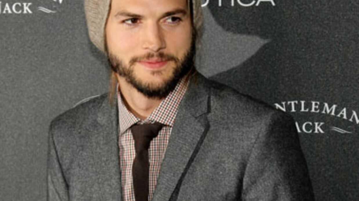 Ashton Kutcher se rend au chevet de Demi Moore