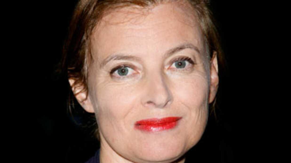 LOOK Valérie Trierweiler change de coiffure