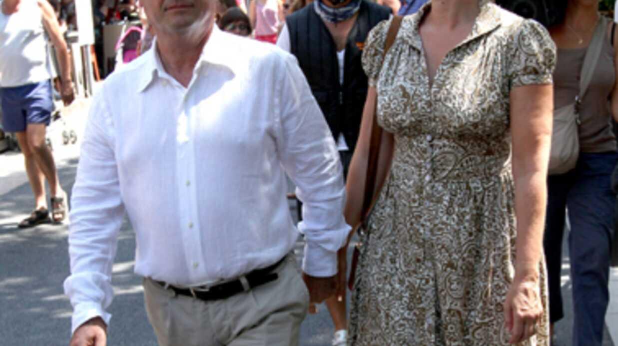 PHOTOS François Hollande et Valérie Trierweiler: bain de foule en vacances