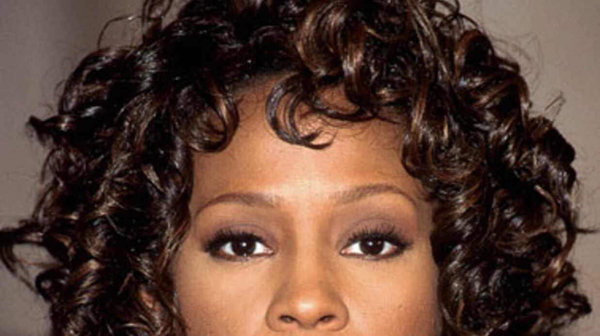 Rihanna aimerait incarner Whitney Houston dans un biopic