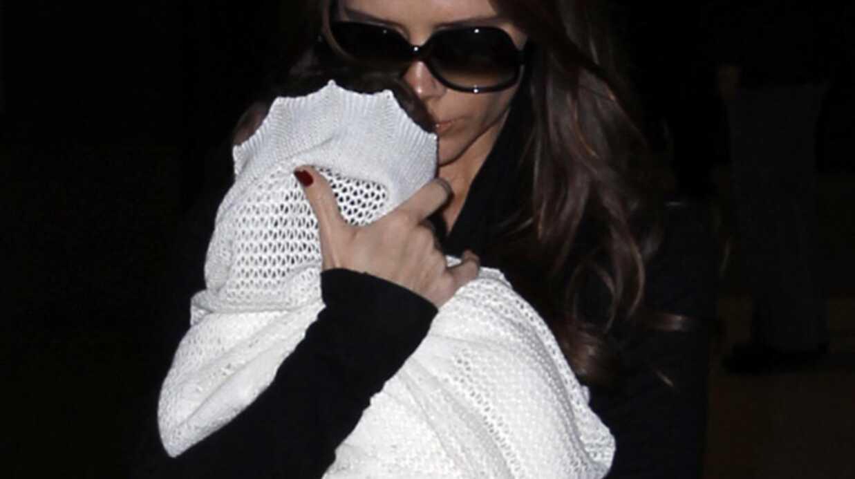 PHOTOS Victoria Beckham et son nouvel accessoire de mode: sa fille