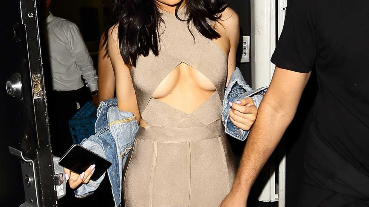 PHOTOS Kylie Jenner la poitrine à moitié à l'air dans une combi très moulante