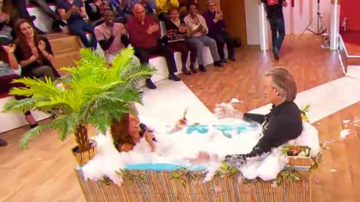 VIDEO Gilles Verdez rejoint une Evelyne Thomas nue dans une baignoire