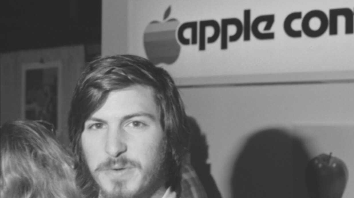 PHOTOS La troublante ressemblance entre Ashton Kutcher et Steve Jobs
