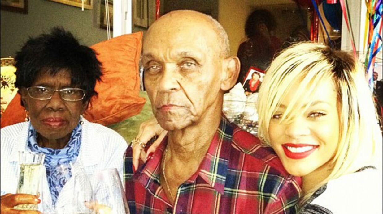 PHOTO Rihanna s'est rendue au chevet de sa grand-mère malade