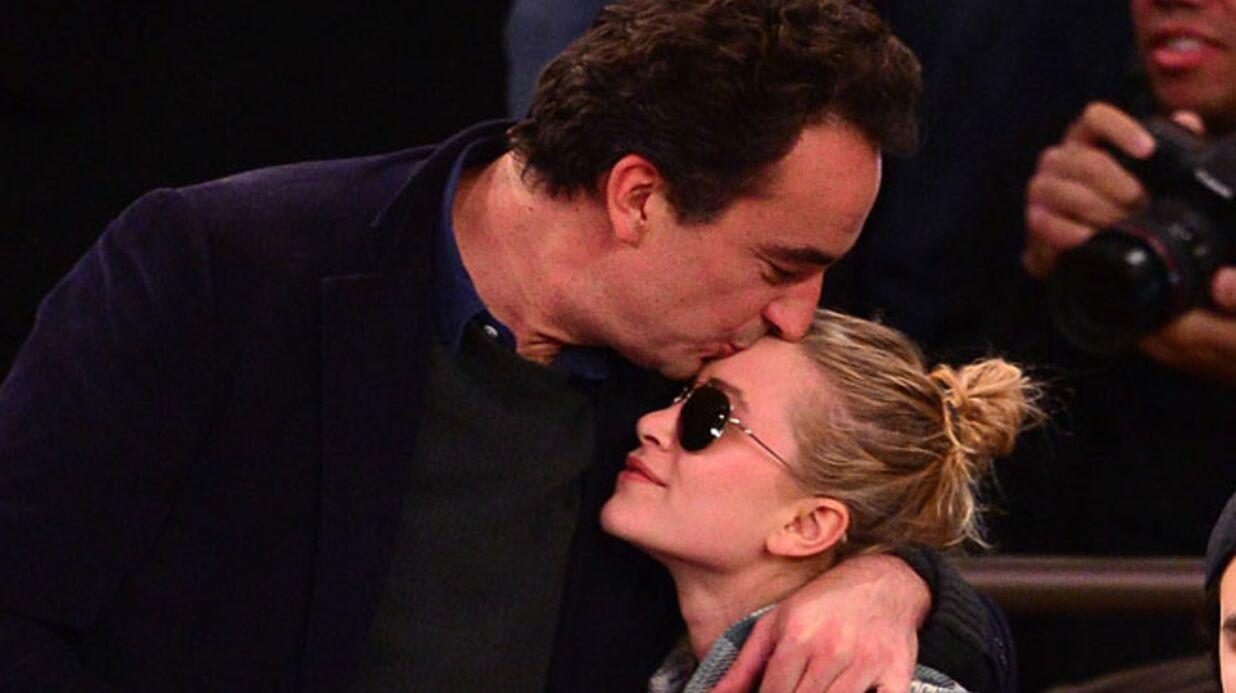 DIAPO Mary-Kate Olsen et Olivier Sarkozy très épris à un match de basket