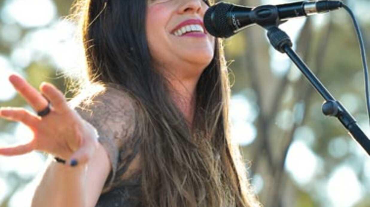 Alanis Morissette rejette les accusations de maltraitance de la nounou de son fils