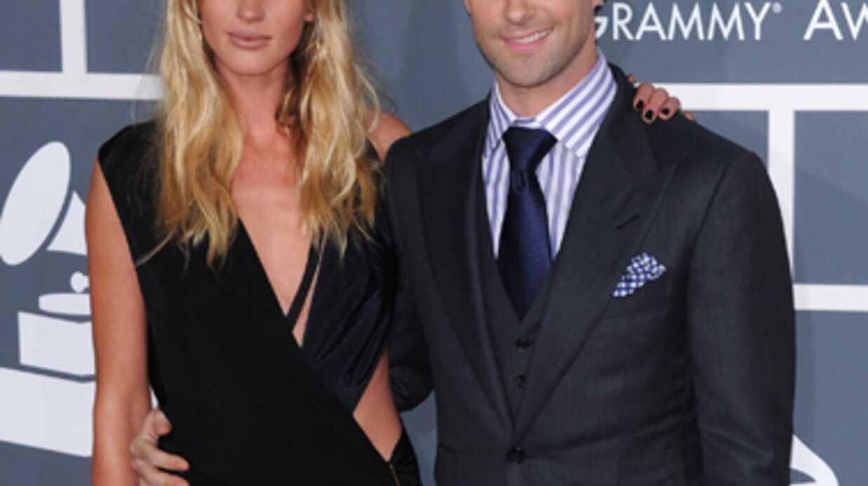 Jennifer Love Hewitt drague ouvertement Adam Levine