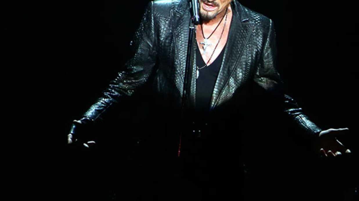Johnny Hallyday fait monter la sauce sur Twitter autour de sa biographie