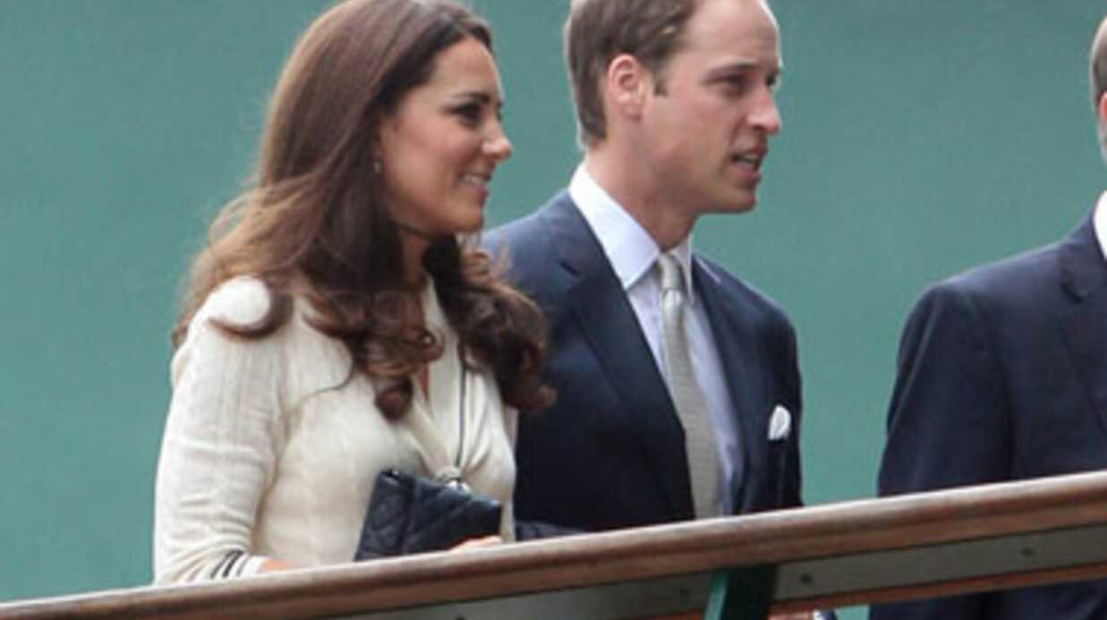 LOOK Kate Midd­le­ton en mode rétro à Wimble­don