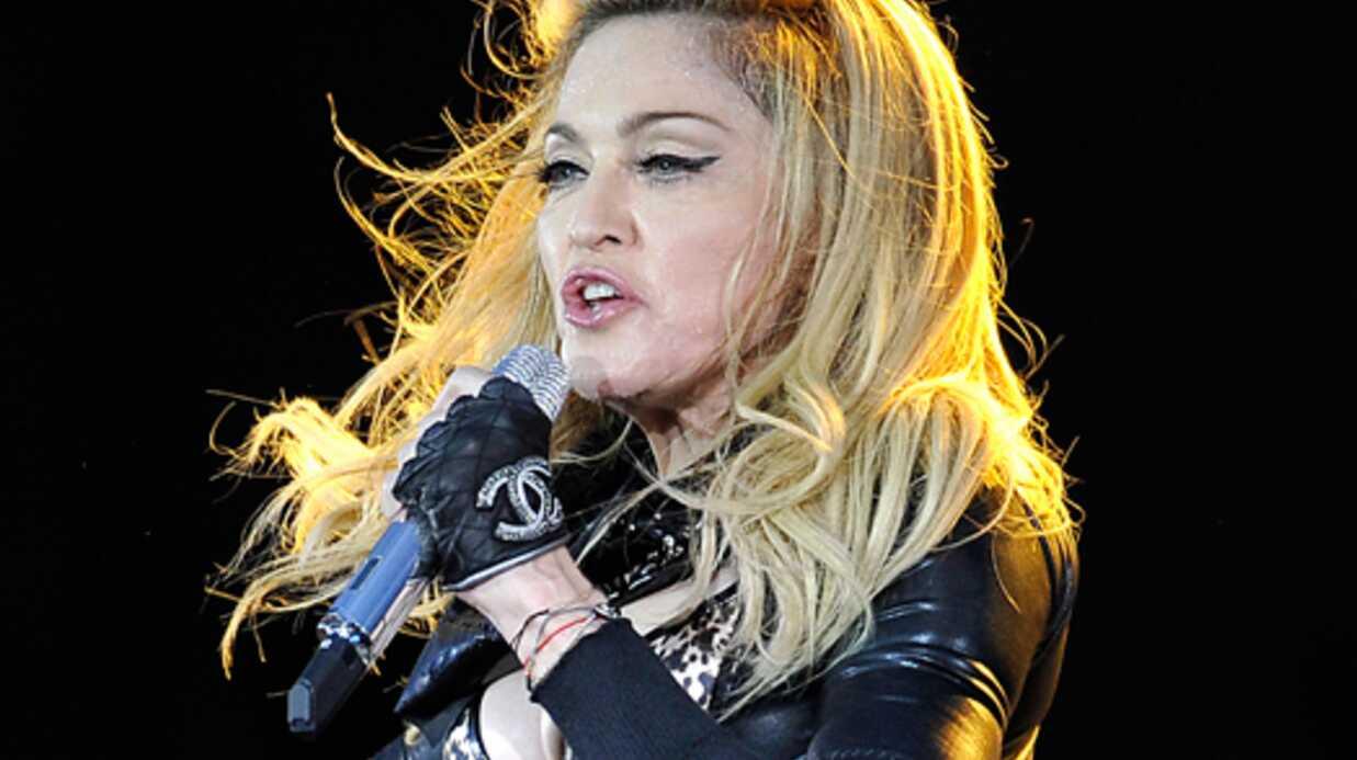 Un cliché de Madonna en «niqab» fait polémique, elle réagit