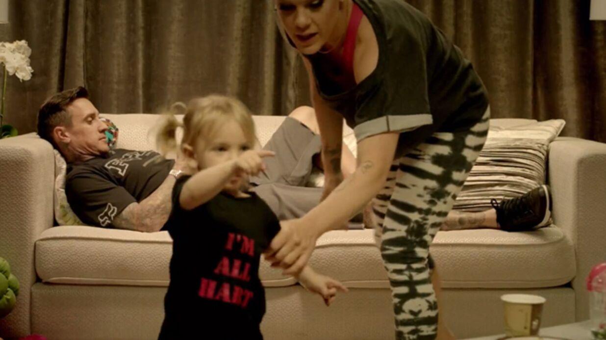 PHOTO La fille de Pink sur scène pour écouter maman