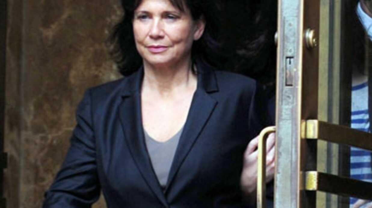 Anne Sinclair règle ses comptes avec la presse et les féministes