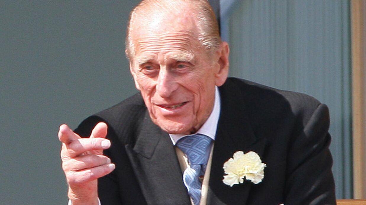 Le prince Philip montre ses joyaux de la couronne en Ecosse