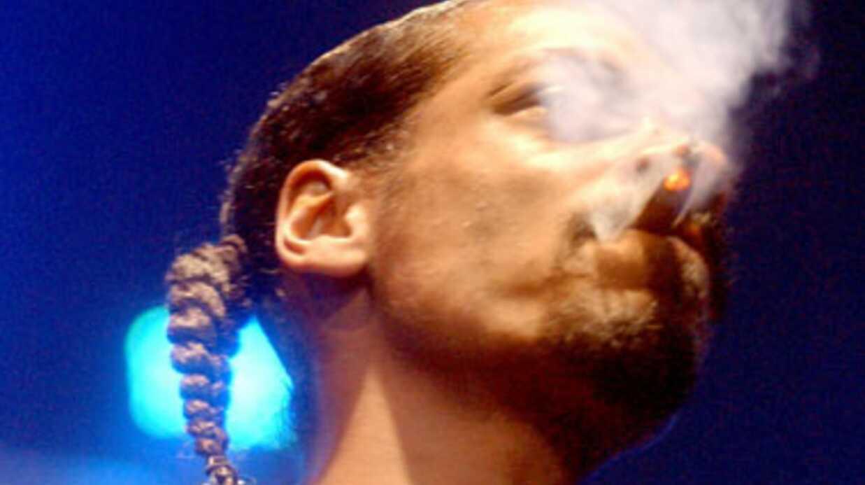 PHOTOS Snoop Dog commercialise le livre qui se fume!