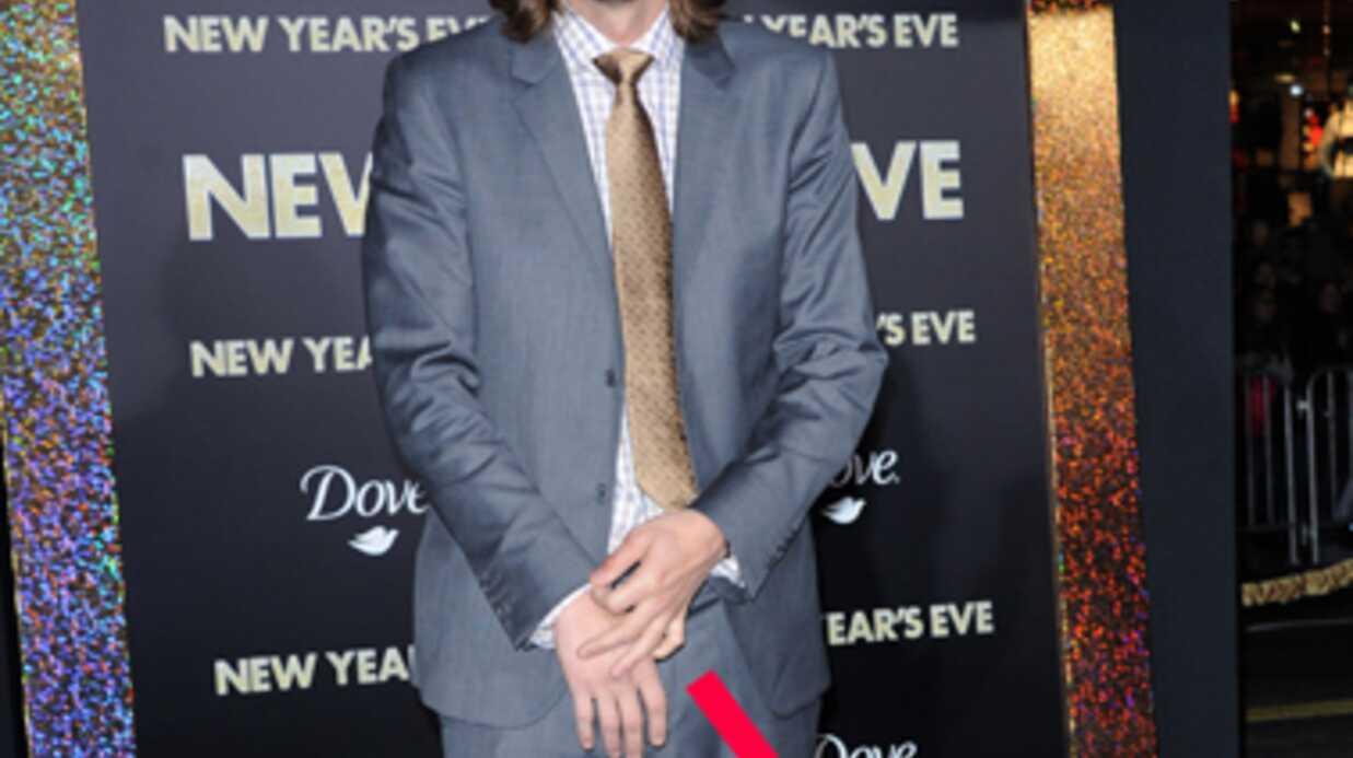 PHOTOS Sans son alliance, Ashton Kutcher reluque Lea Michele