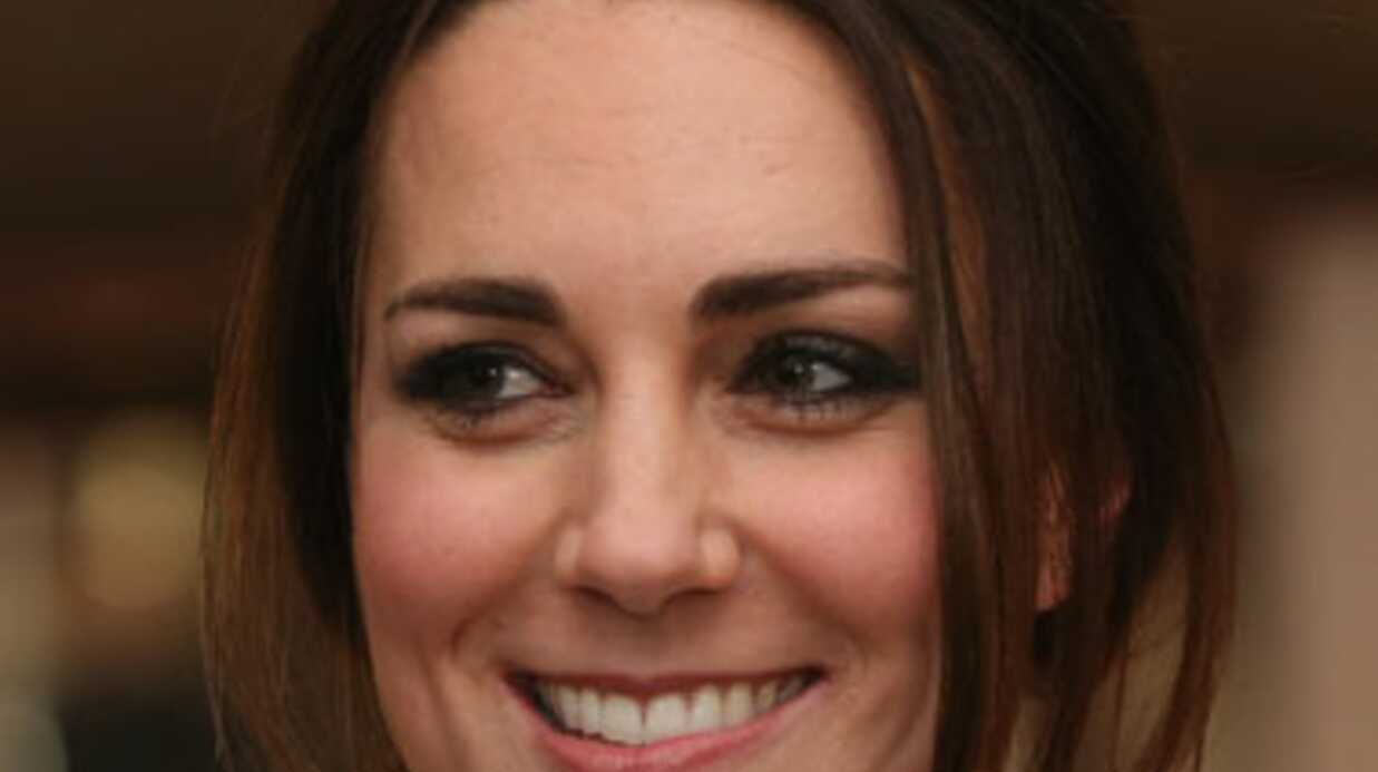 Kate et William apprennent la mort de Mandela en pleine projec­tion de son biopic