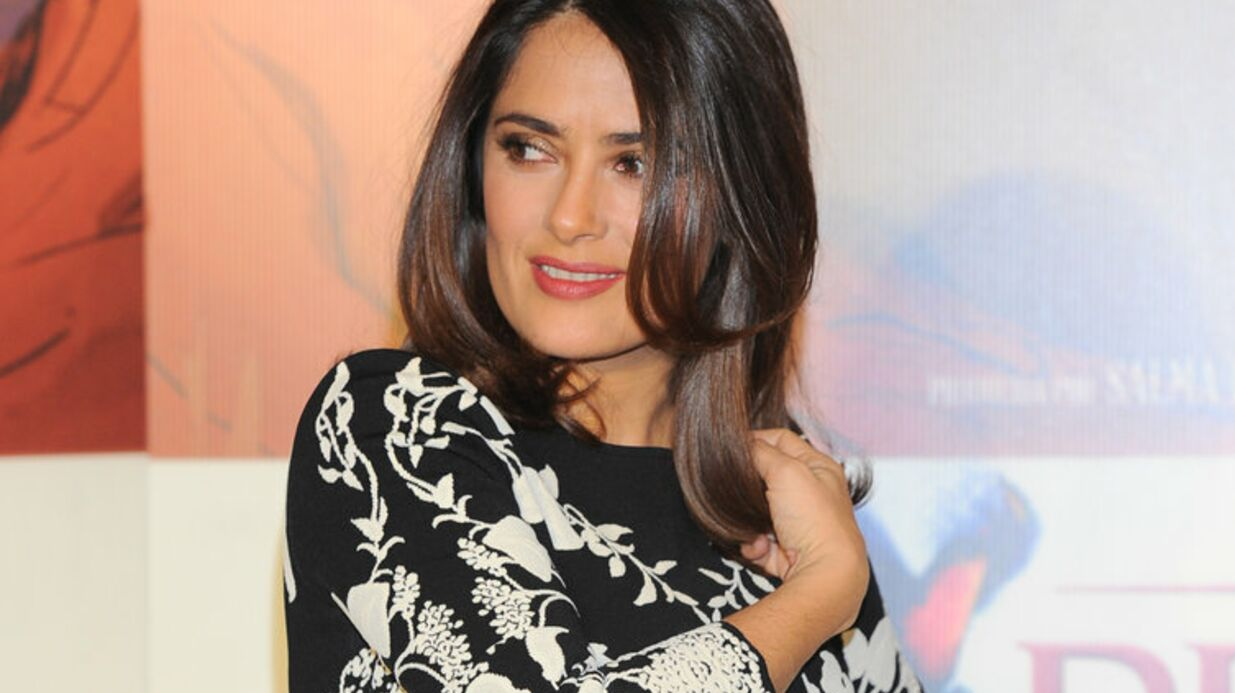 PHOTO Blessée sur un tournage, Salma Hayek se rend aux urgences en t-shirt topless
