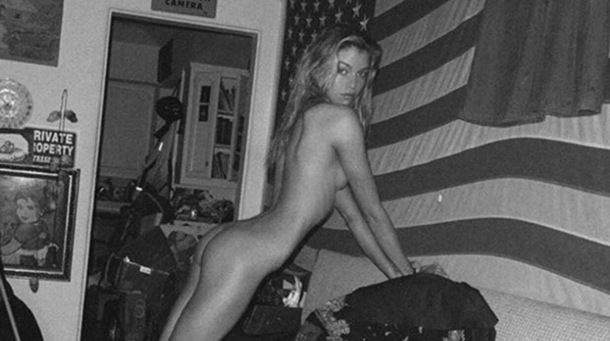PHOTO Stella Maxwell, l'ex de Miley Cyrus, pose entièrement nue