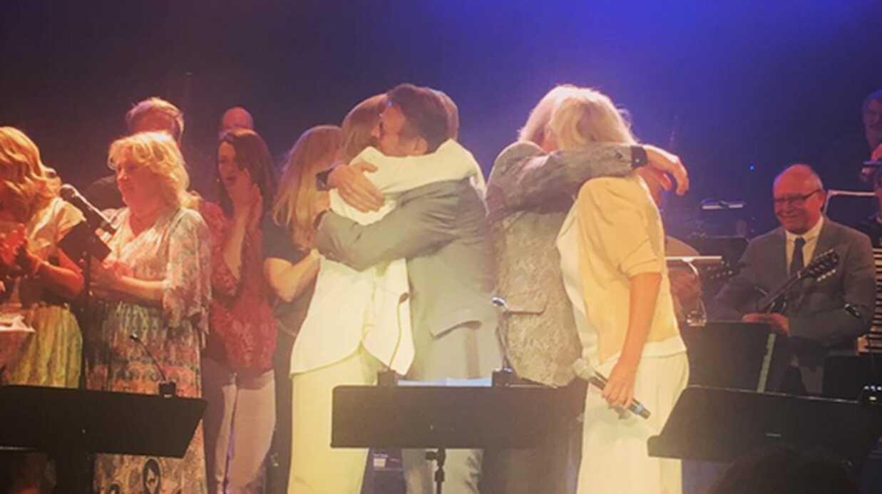 PHOTOS Les quatre membres d'ABBA ont chanté ensemble pour les cinquante ans du groupe