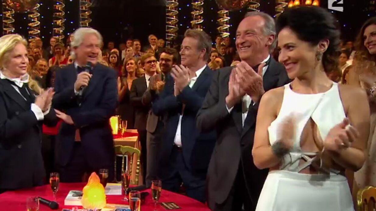 PHOTOS Fabienne Carat: son impressionnant décolleté affole les téléspectateurs
