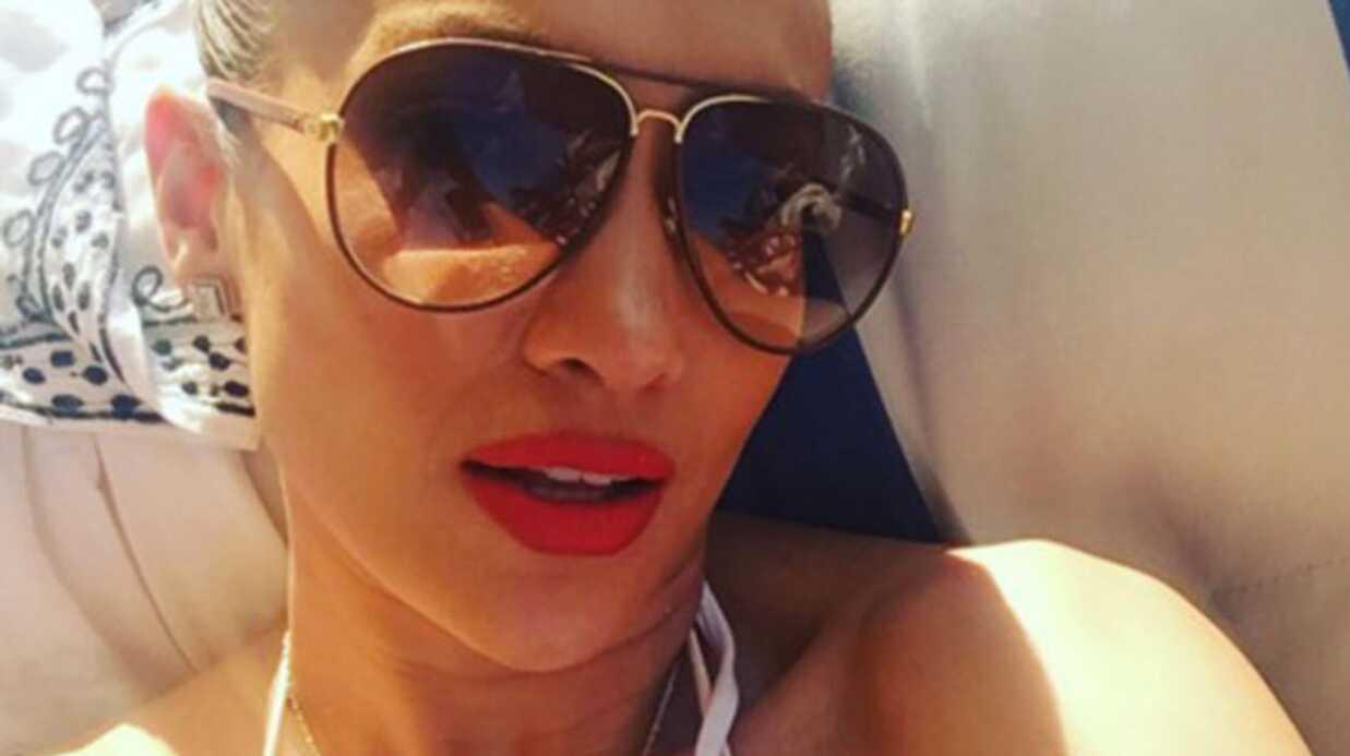 PHOTO Jennifer Lopez bronze en mini maillot de bain blanc, et elle est très sexy!
