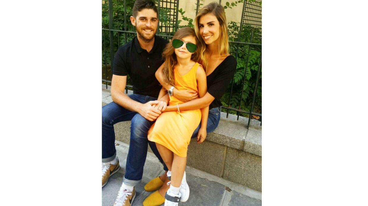 PHOTO Alexandra Rosenfeld en famille, l'ex-Miss France pose avec son amoureux et sa fille