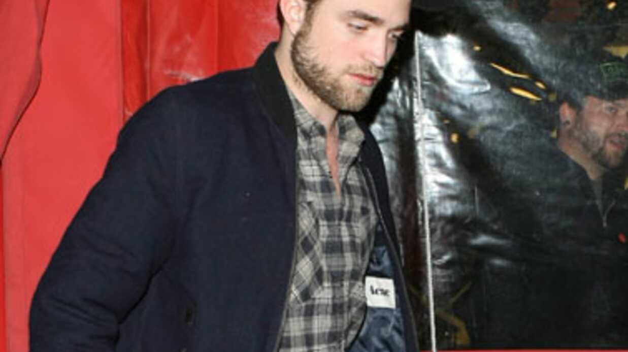 Robert Pattinson trompe-t-il Kristen Stewart?