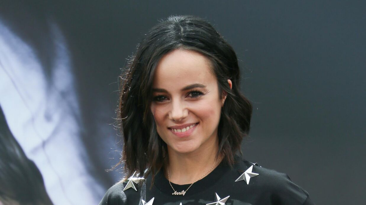 PHOTO Alizée publie une photo de son surpre­nant sapin de Noël
