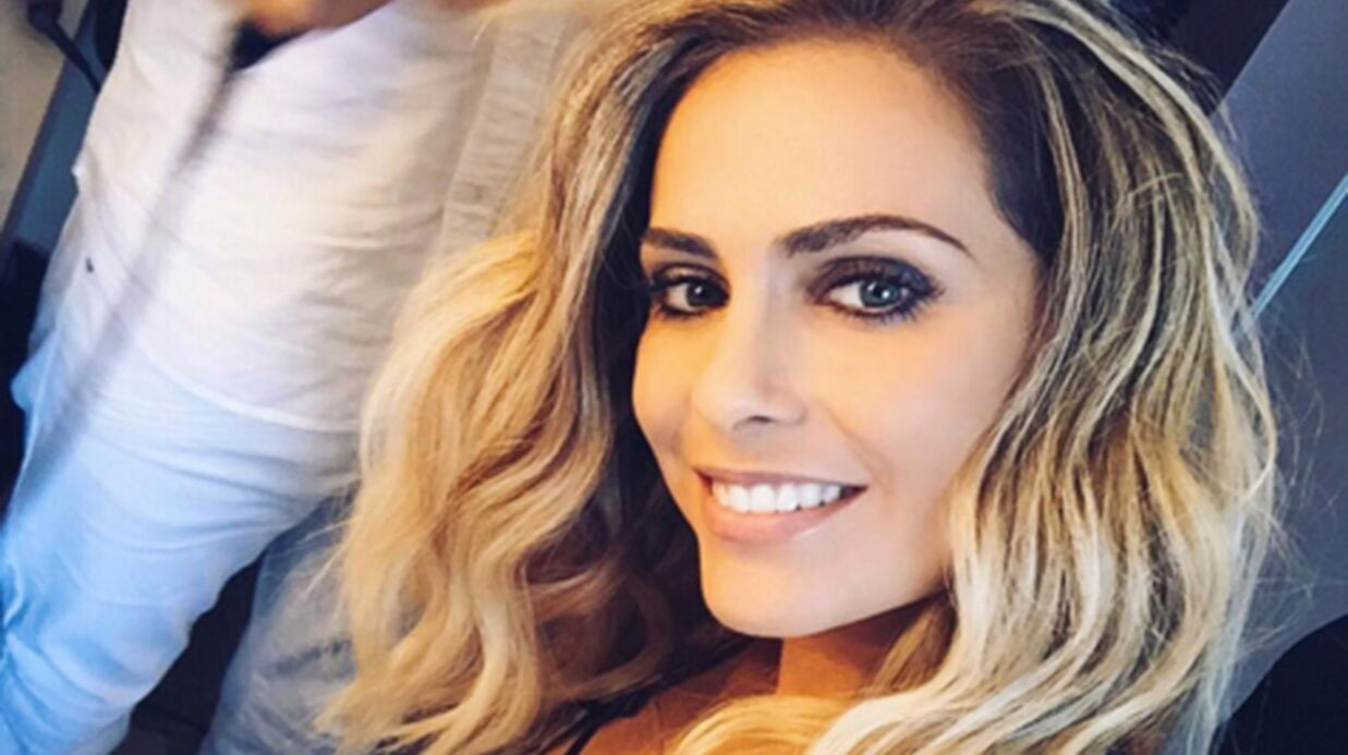 photo clara morgane pose nue dans son lit un clich sexy et artis tique voici. Black Bedroom Furniture Sets. Home Design Ideas
