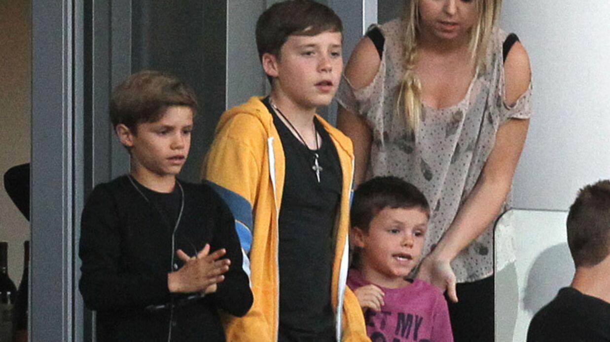 PHOTOS Harper Beckham supporte son papa au foot