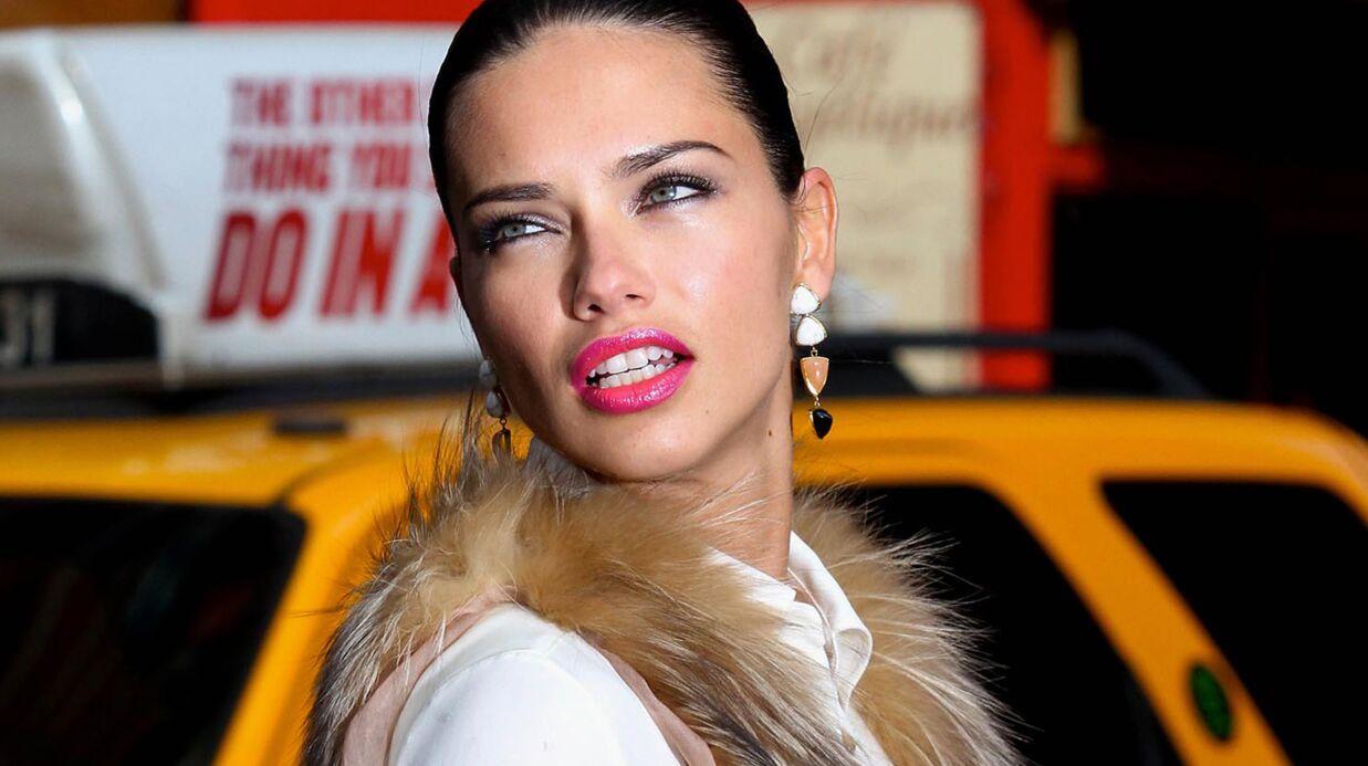 VIDEO Adriana Lima se mange un rétroviseur en pleine tête