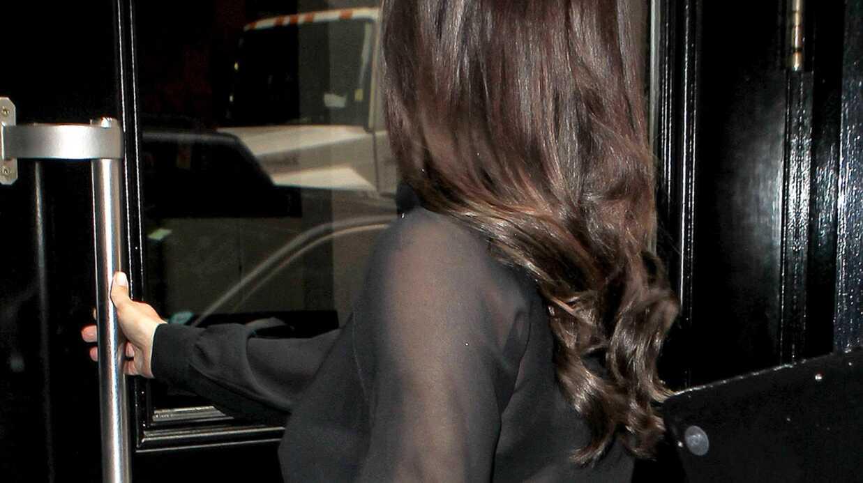 PHOTOS Kim Kardashian dévoile ses seins sous un top transparent