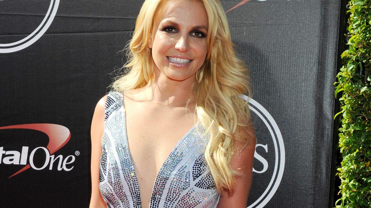 VIDEO Britney Spears affiche sa silhouette de rêve avec une petite danse en bikini