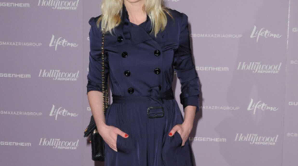 LOOK Kirsten Dunst parfaite en trench bleu marine