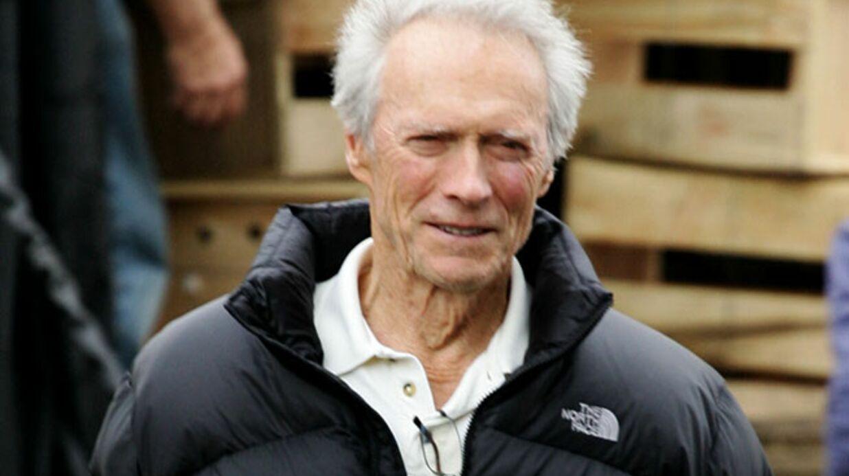 Clint Eastwood sauve la vie d'un homme lors d'un banquet