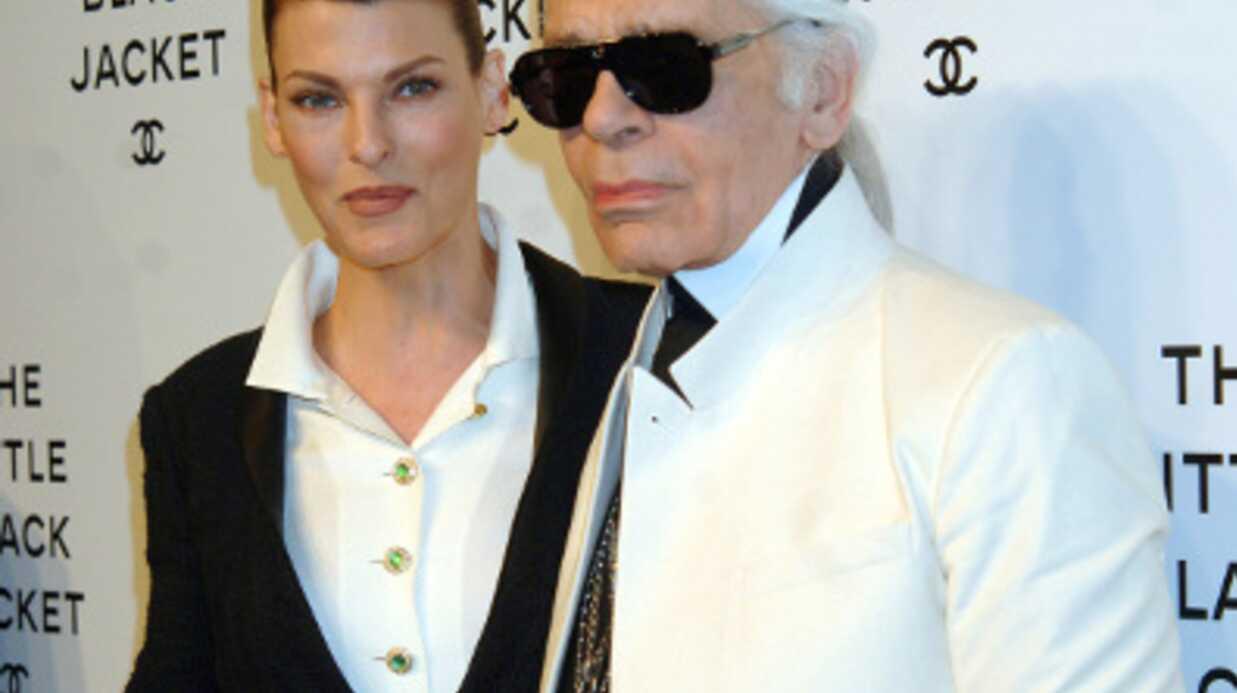 Karl Lagerfeld emploie un porteur de soda