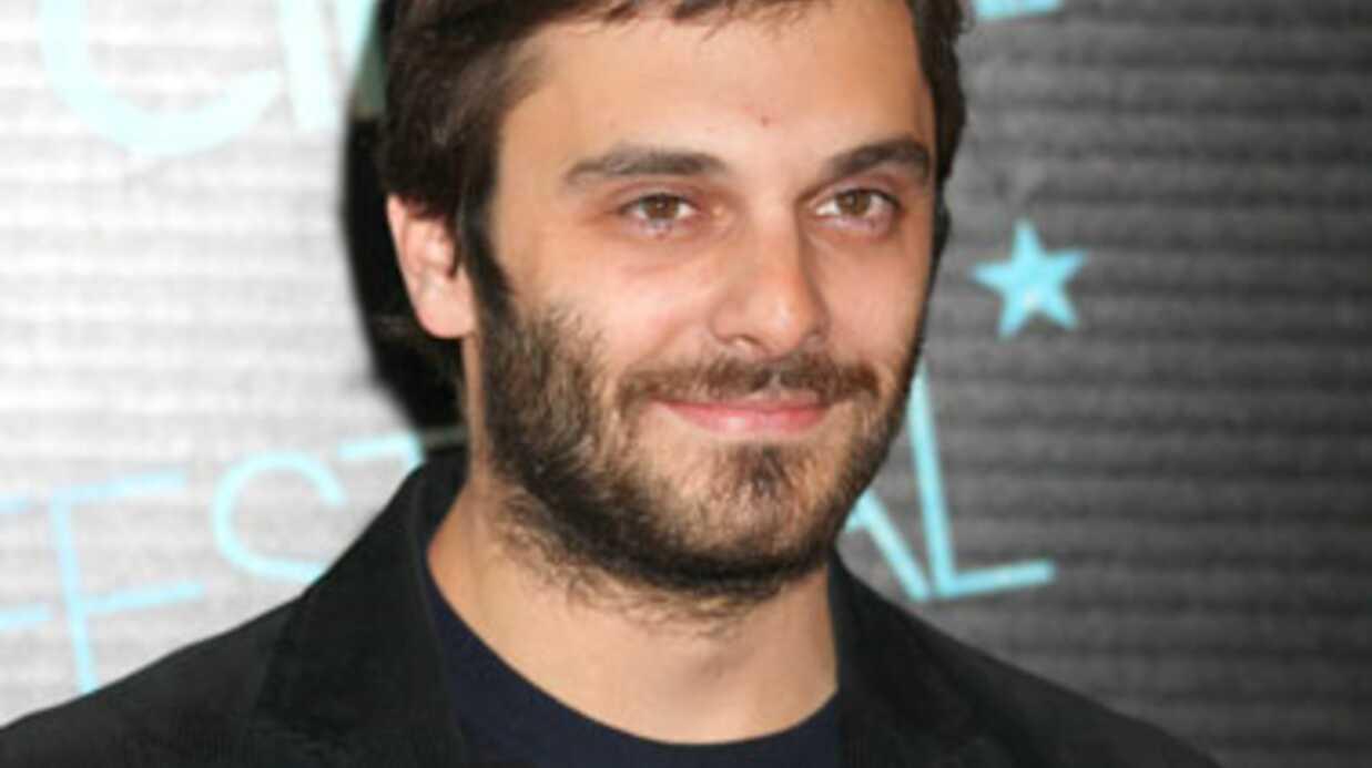 L'acteur Pio Marmaï avoue qu'il mène une double vie sur le plateau de Laurent Ruquier
