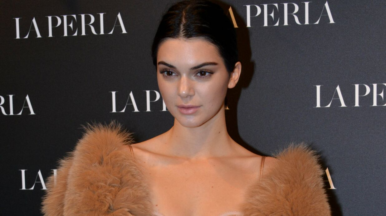 PHOTO Kendall Jenner affiche des hanches élar­gies, les inter­nautes s'inter­rogent