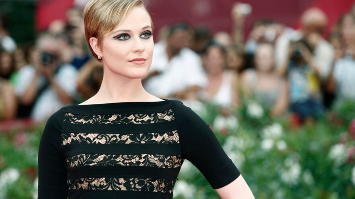 Evan Rachel Wood perd une dent à Paris