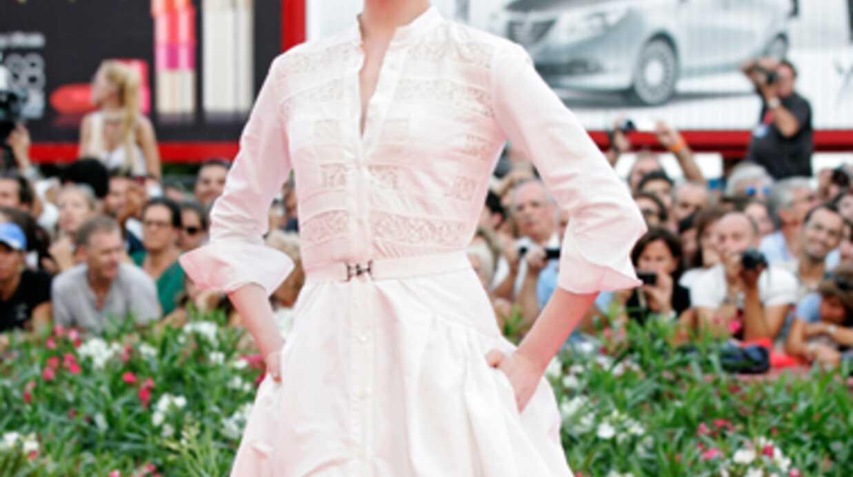 Evan Rachel Wood perd une dent à Paris