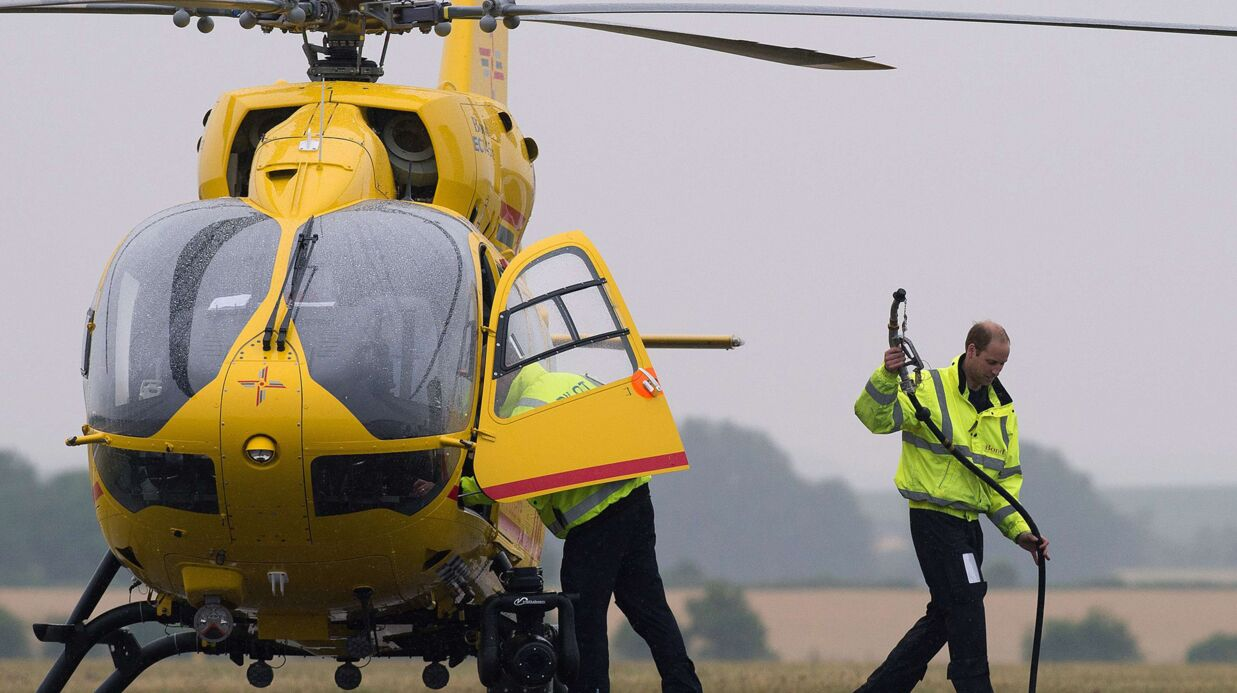 Le prince William sauve une victime de fusillade en la transportant en hélicoptère jusqu'à un hôpital