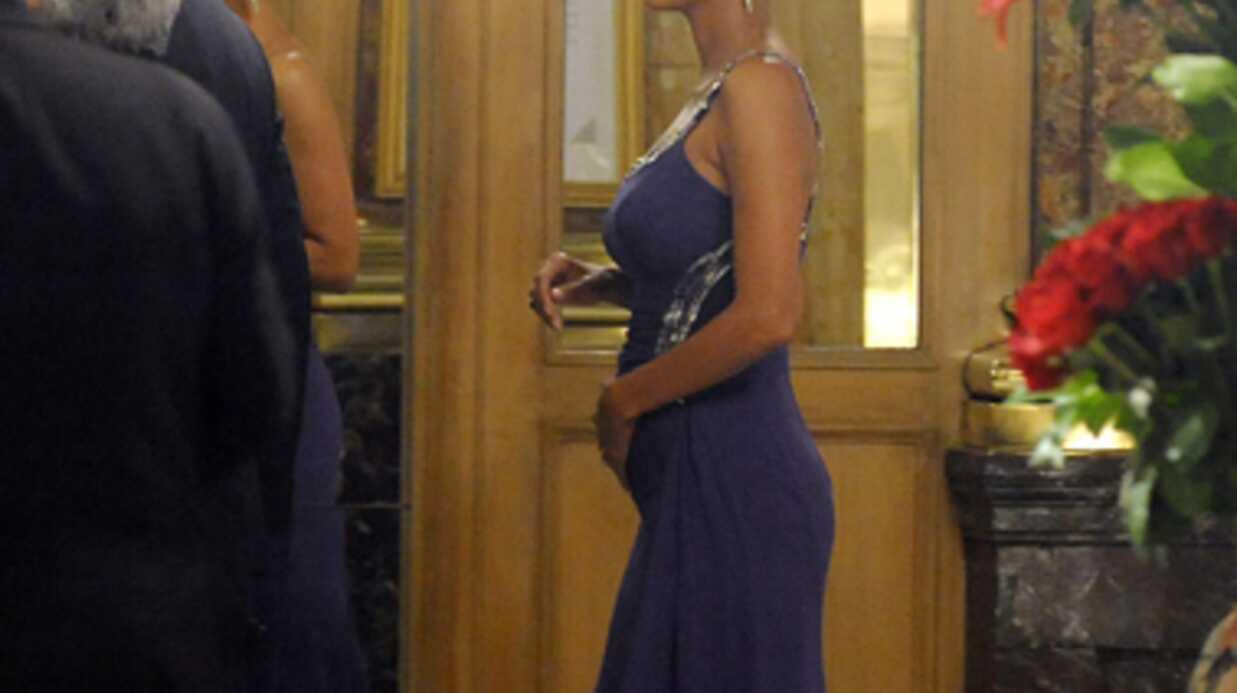 PHOTOS Halle Berry dévoile ses formes de femme enceinte