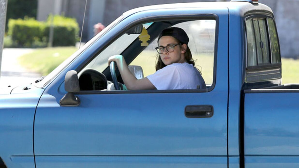 PHOTOS Kristen Stewart aime toujours Robert Pattinson selon sa voiture
